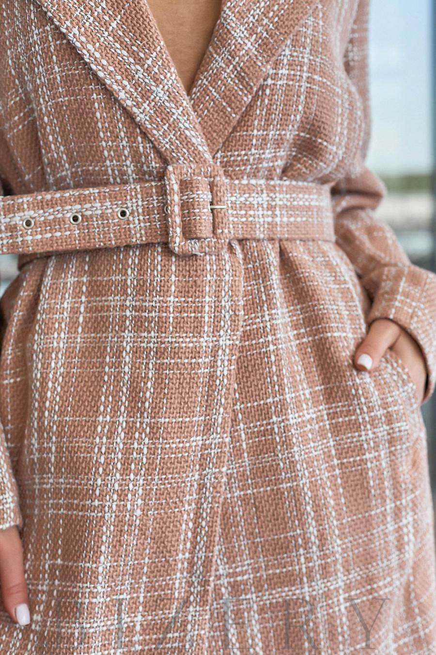 Твидовое пальто в нежно-бежевом цвете В814