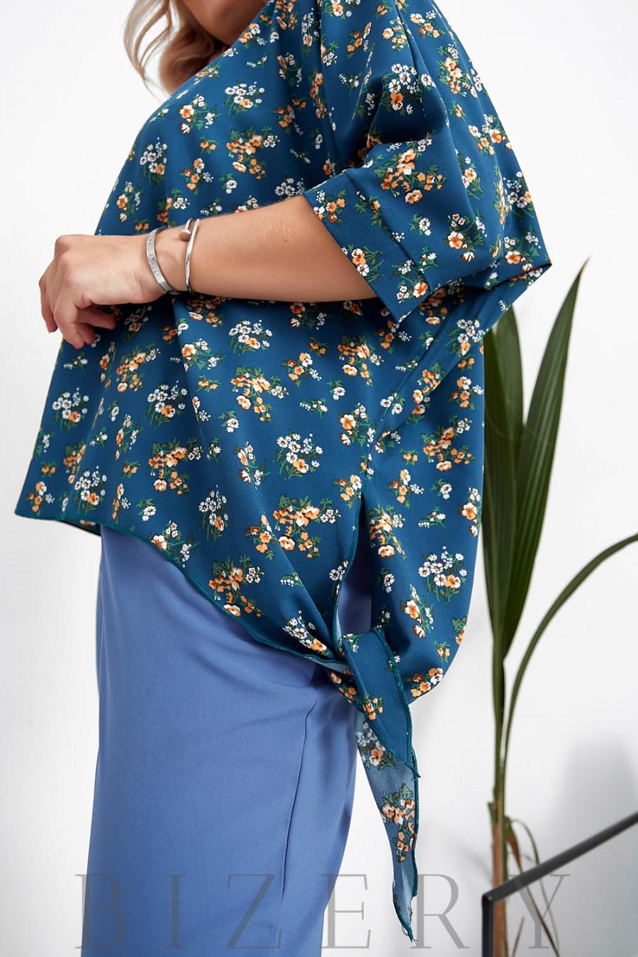 Брючный костюм с блузкой в цветочный принт цвет темно-лазурный B1059