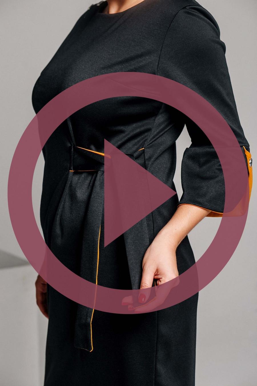 Элегантное трикотажное платье чёрного цвета B373