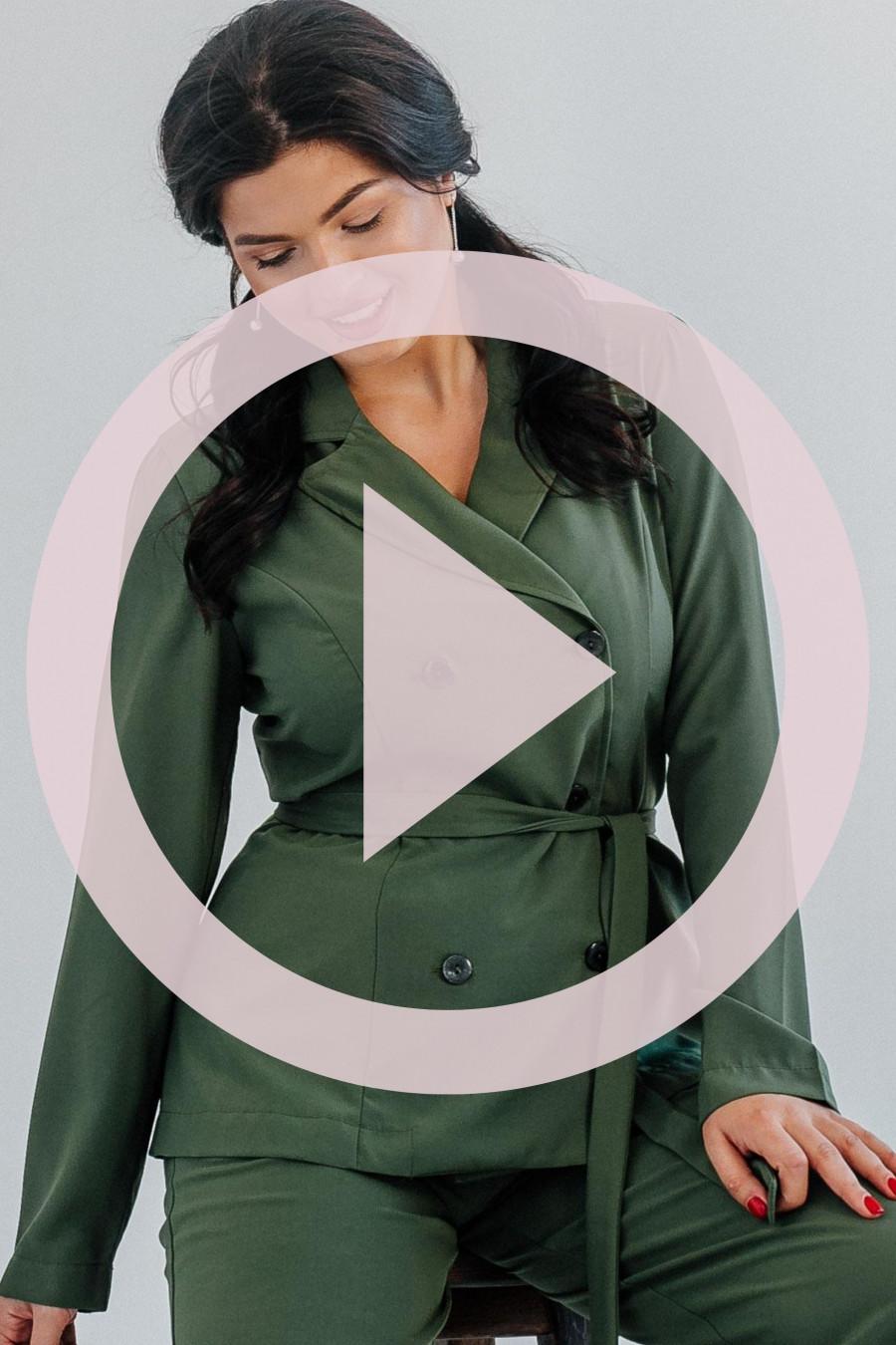Современный женский костюм с V-образным вырезом на спинке B304