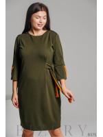 Элегантное трикотажное платье оливкового цвета B375