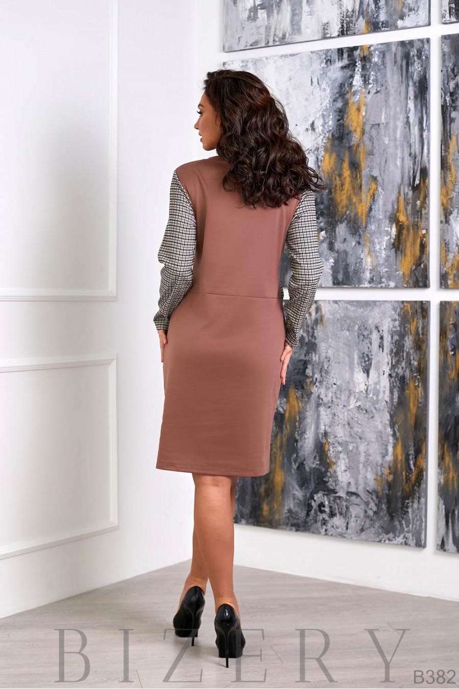 Трикотажное платье цвета капучино с декоративной молнией B382