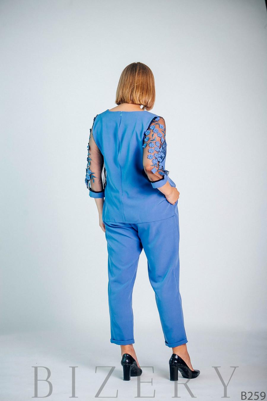 Светло-синий брючный костюм большого размера B259