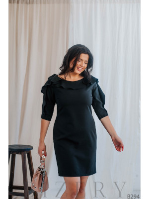 Коктейльное платье с воланами на рукавах чёрной расцветки B294