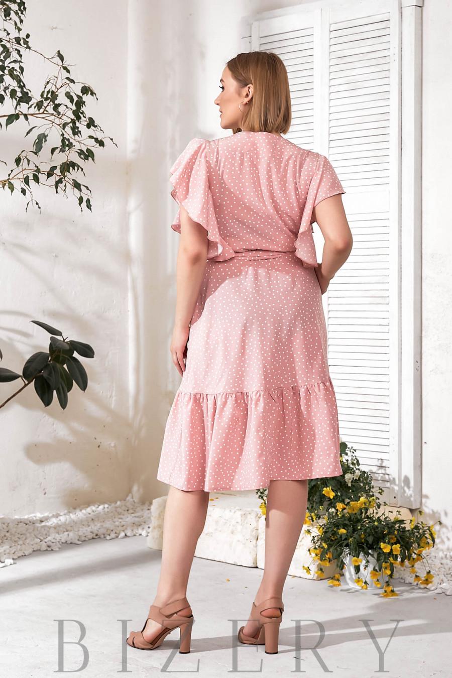 Летнее нежно-розовое платье с воланами В750
