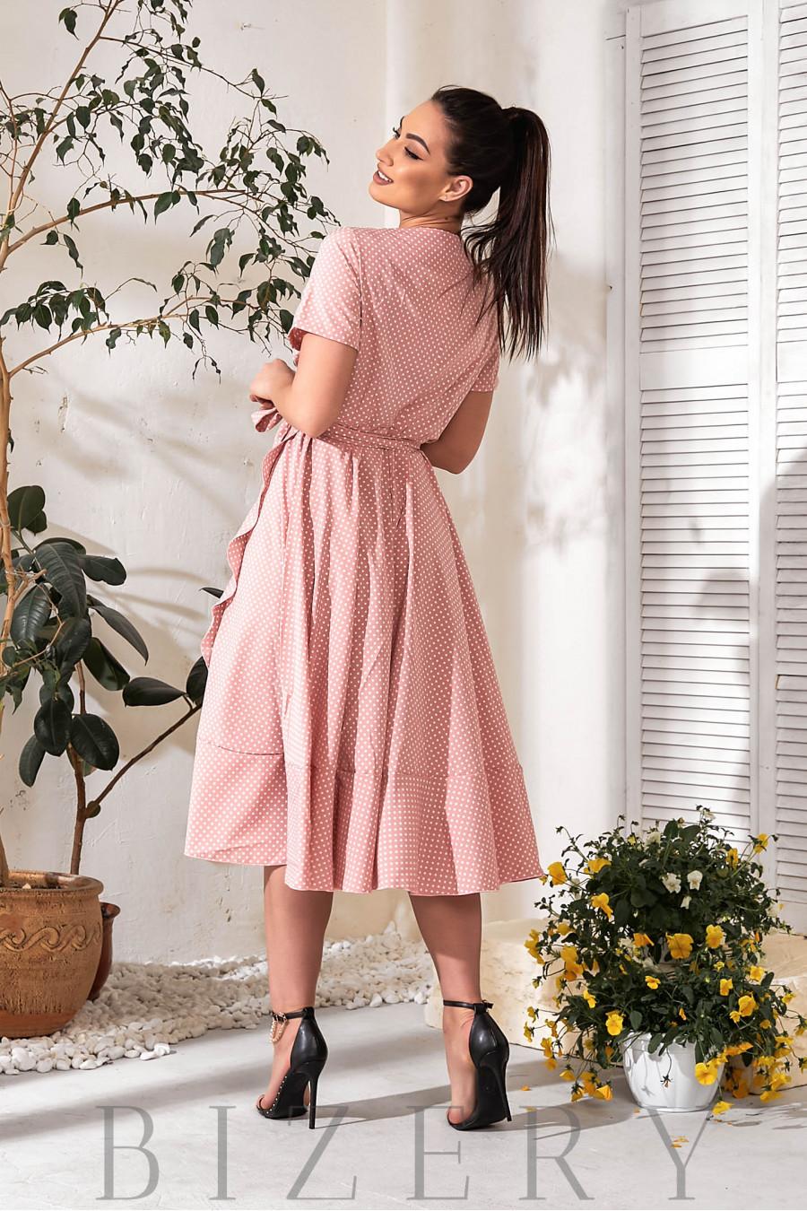 Платье на запах нежно-розовое в горох В754