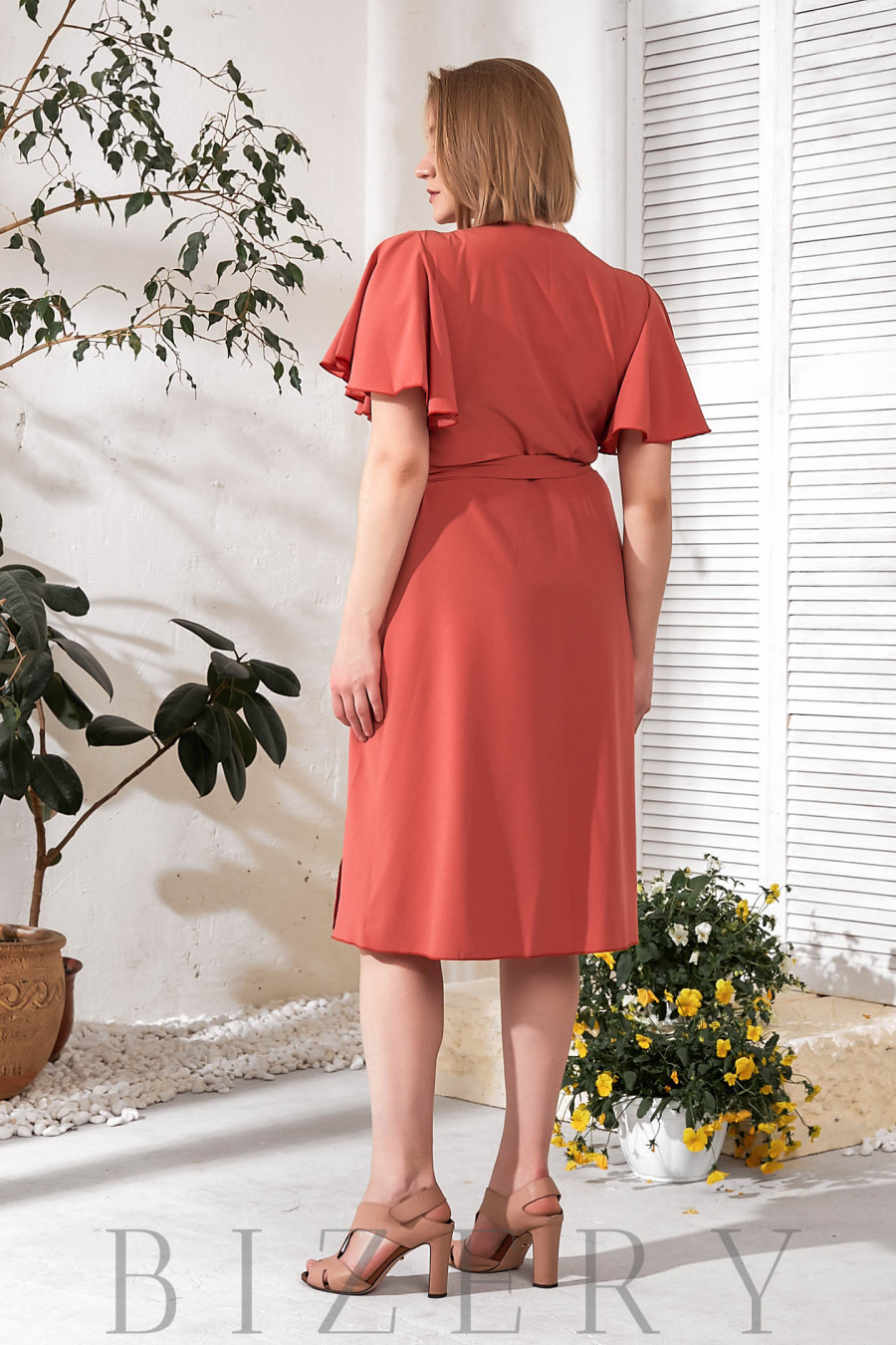 Элегантное темно-коралловое платье на запах В774