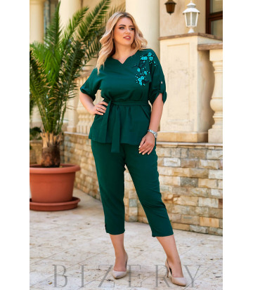 Легкий льняной брючный костюм зеленый цвет В931