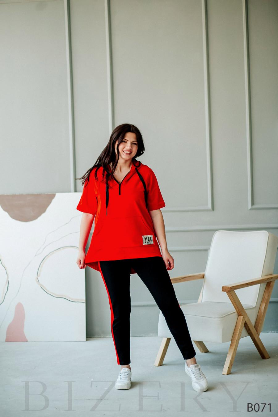 Костюм спортивный красный с коротким рукавом и удлиненной кофтой