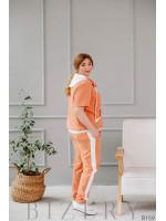 Спортивный костюм персиковый из мягкого трикотажа с коротким рукавом