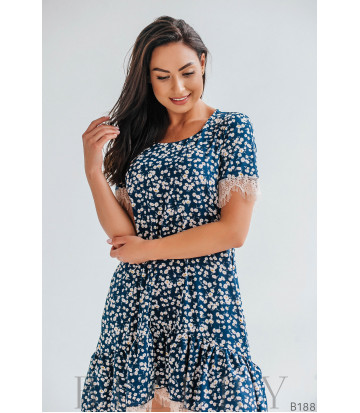 Лёгкое коктельное платье с кружевом