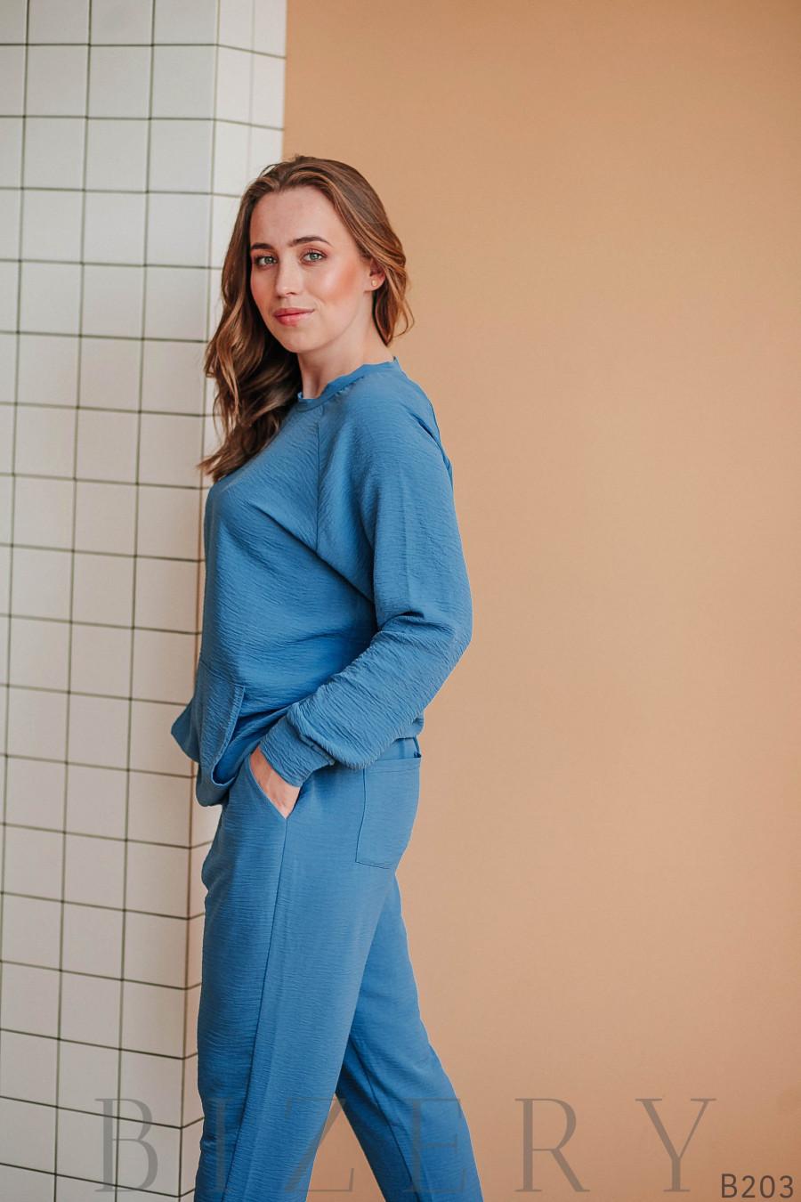 Повседневный костюм полу-спорт джинсового цвета