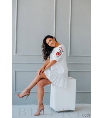 Платье мини белое с вышивкой на рукавах