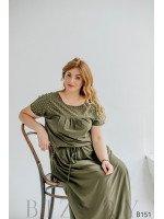 Платье цвета хаки макси с разрезами вдоль спинки