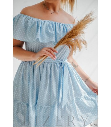 Повседневное платье в горошек с широкими воланами