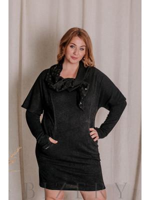 Тёплое платье с митенками большого размера чёрное В328