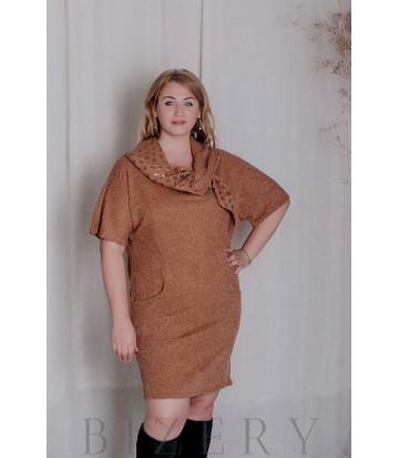 Тёплое платье с митенками большого размера охра В330
