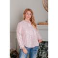 Блуза большого размера с рисунком бабочки розовая В335