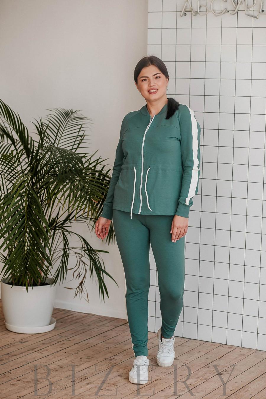 Спортивный костюм большого размера зелёный В340