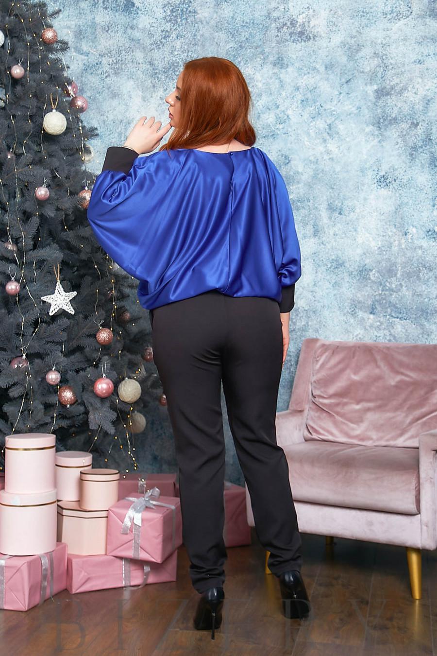Стильный брючный костюм в синем цвете B535