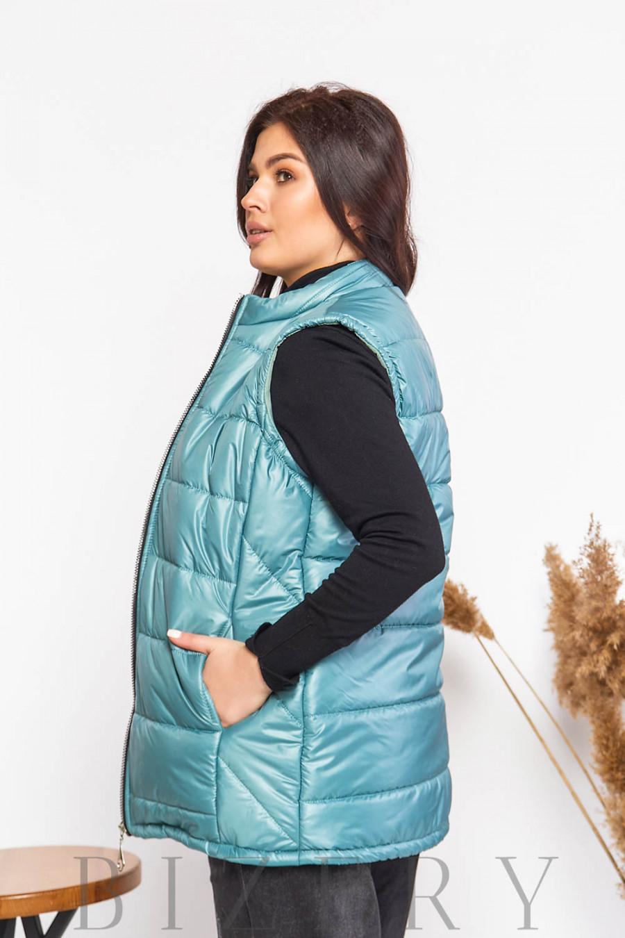 Женская стеганая жилетка сине-бирюзового цвета В605