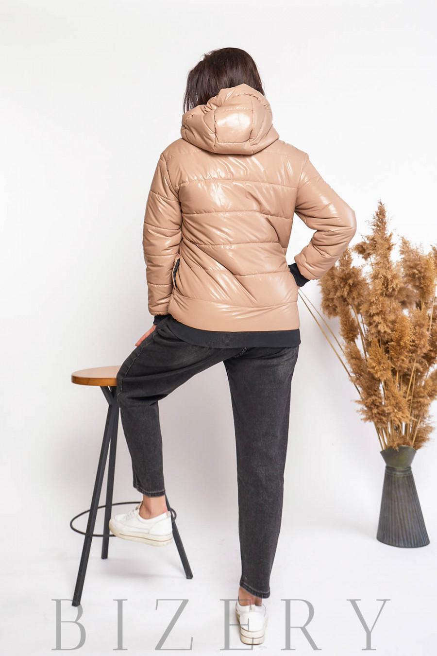 Дутая куртка в бежевой расцветке В610