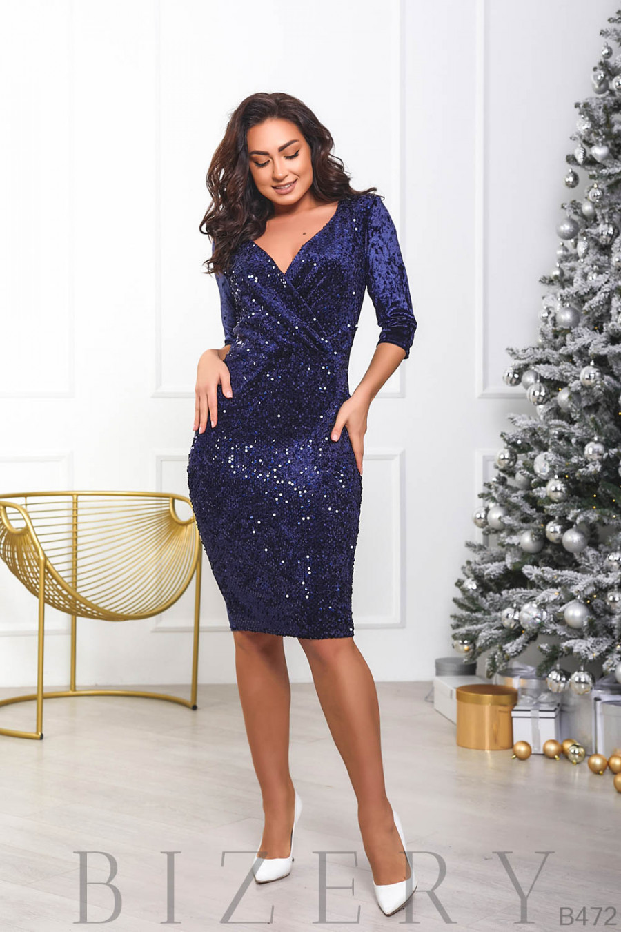 Вечернее велюровое платье сапфирового цвета B472