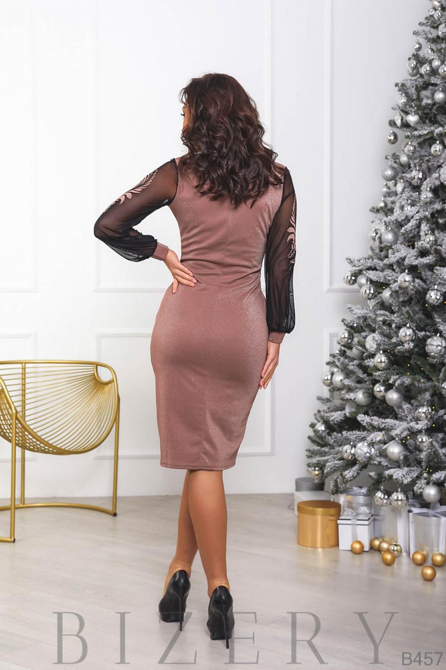 Женское платье с имитацией запаха в бежевом цвете B457