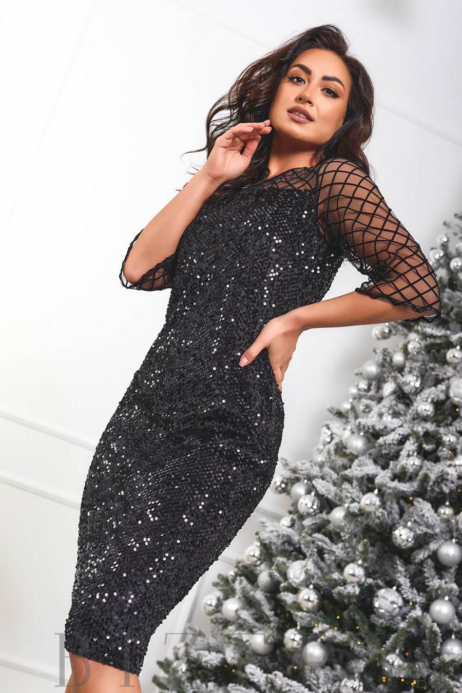 Велюровое платье декорировано пайетками B467