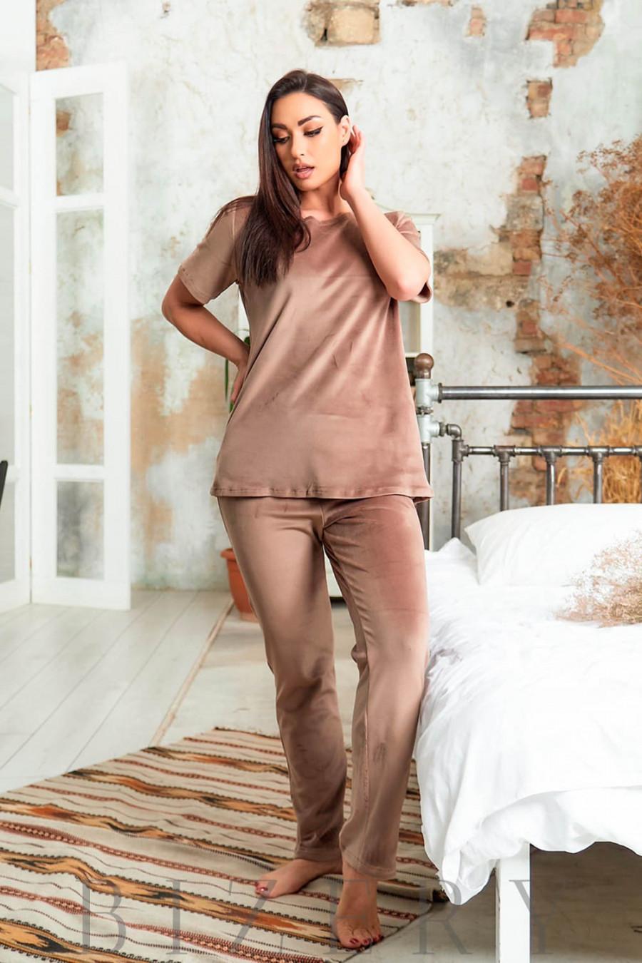 Велюровая плюшевая женская пижама в цвете капучино В632