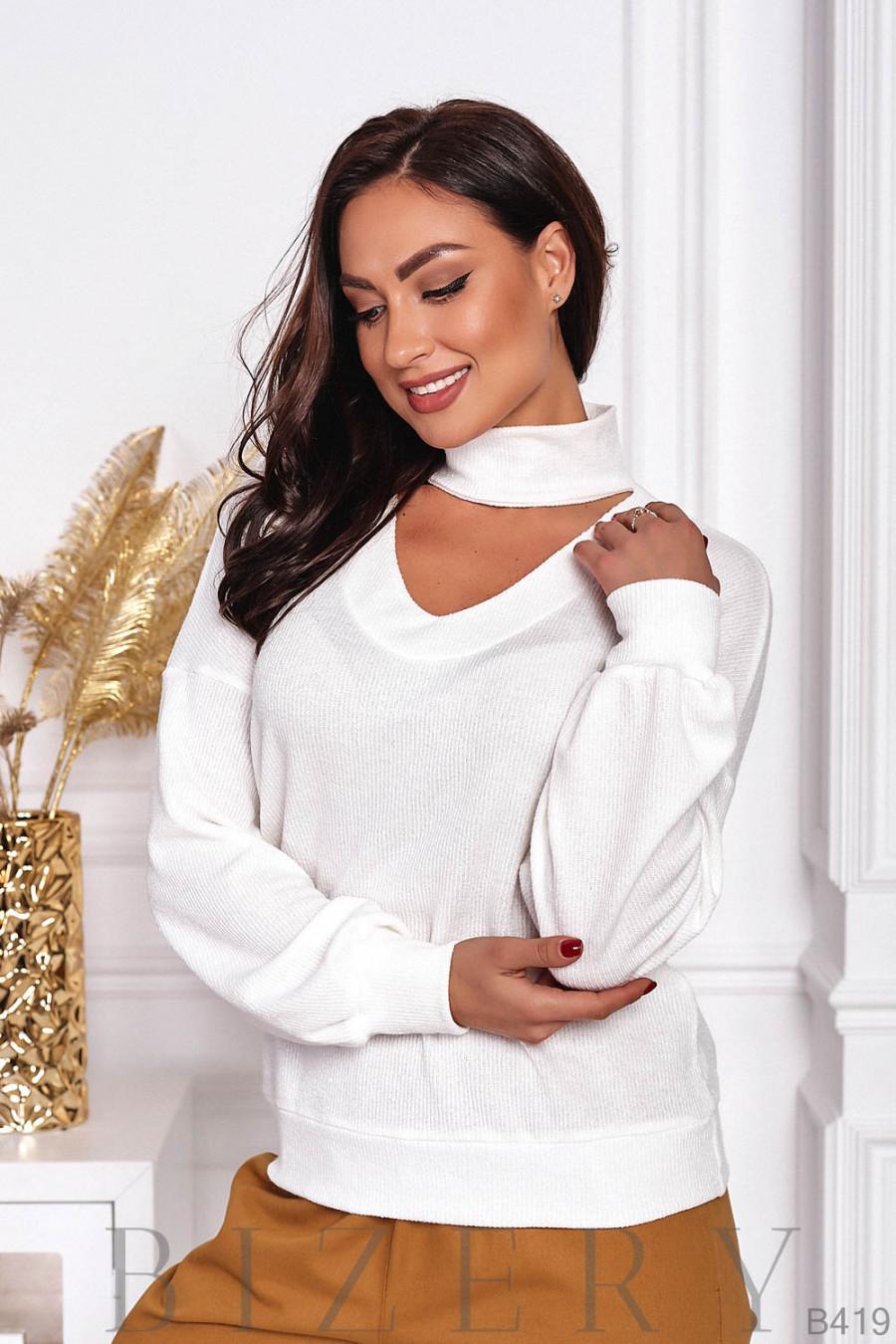 Тёплый нежный свитер в цвете слоновой кости B419
