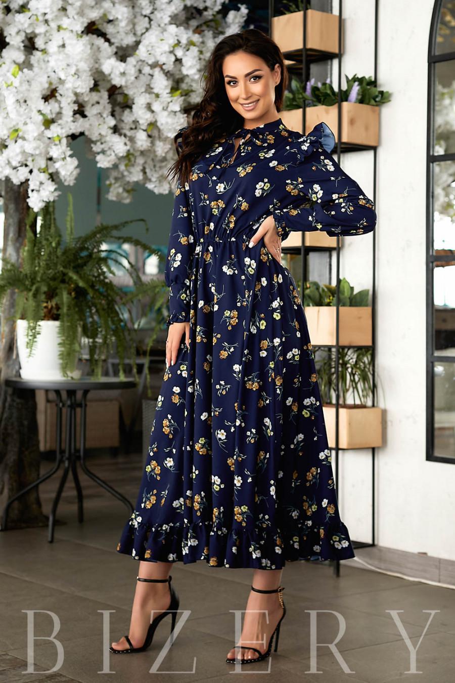 Роскошное летнее платье темно-синее в цветочный принт В807