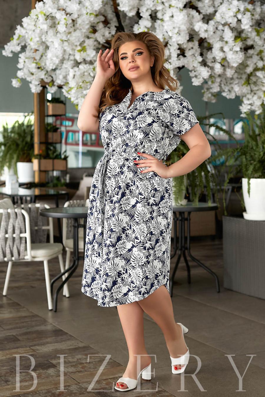 Повседневное льняное платье с принтом темно-синее В848