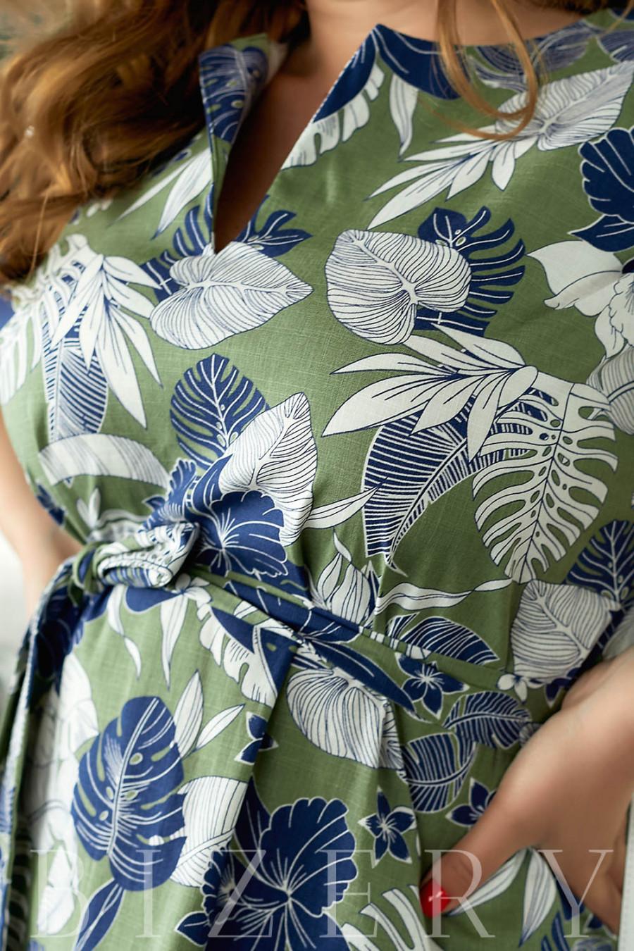 Повседневное льняное платье с принтом зеленое В849