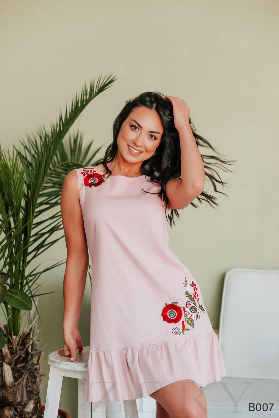 Платье мини розовое с вышивкой без рукавов