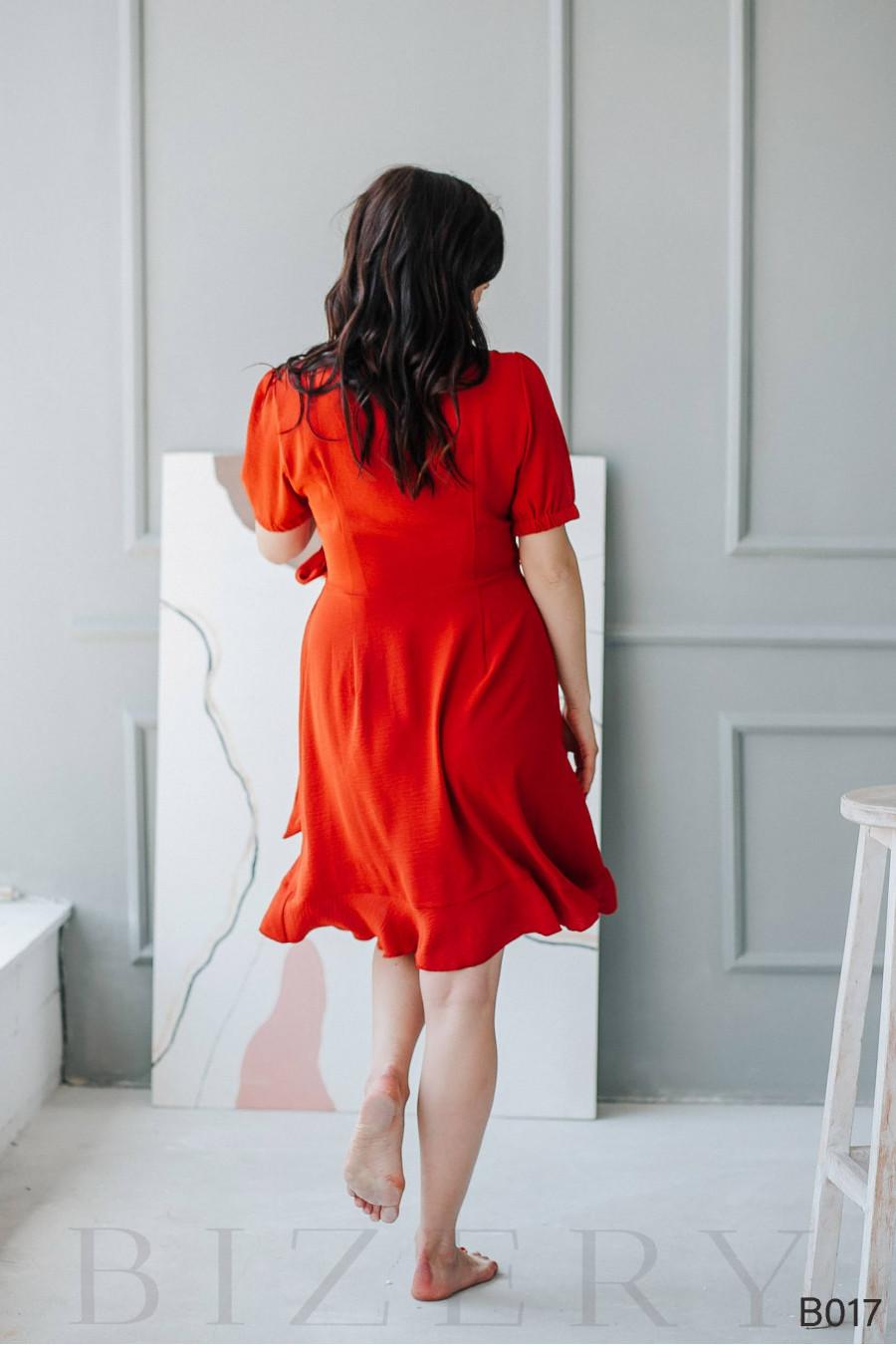 Повседневное красное платье мини на запах
