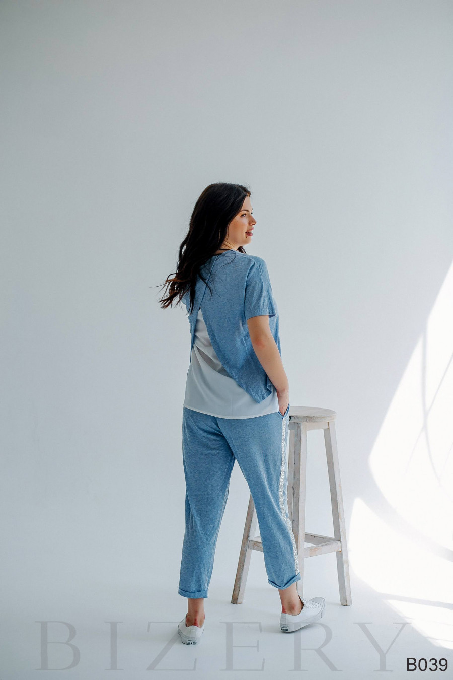 Повседневный костюм полу-спорт голубой из мягкого трикотажа