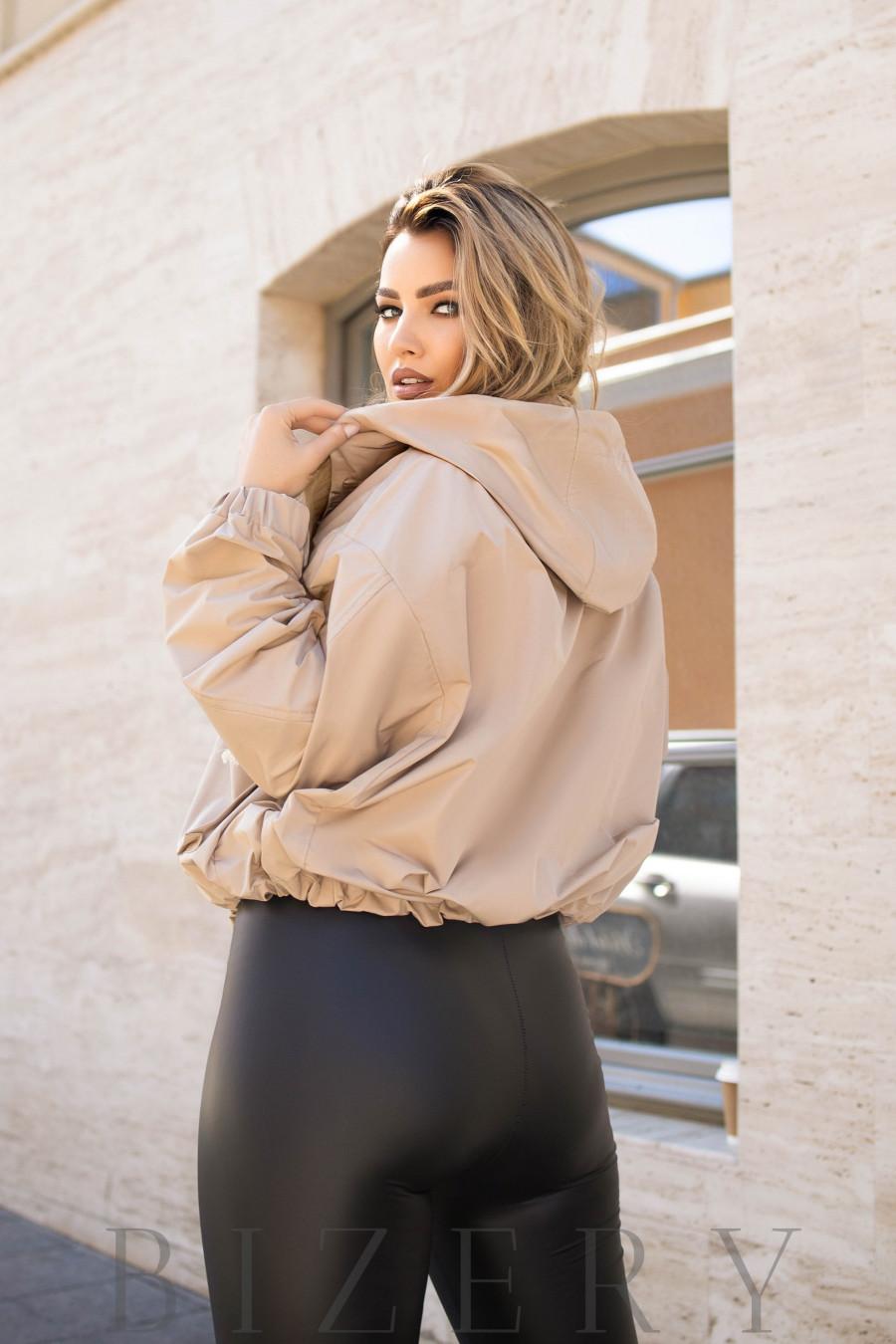 Куртка женская с капюшоном цвет бежевый B1107