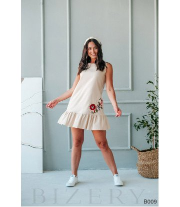 Платье мини бежевое с вышивкой без рукавов