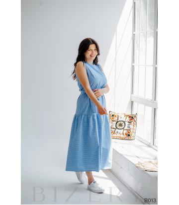 Легкое повседневное платье макси голубое в белую полоску