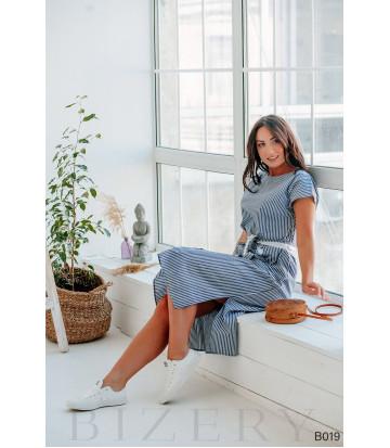 Повседневное платье миди в бело-синюю полоску